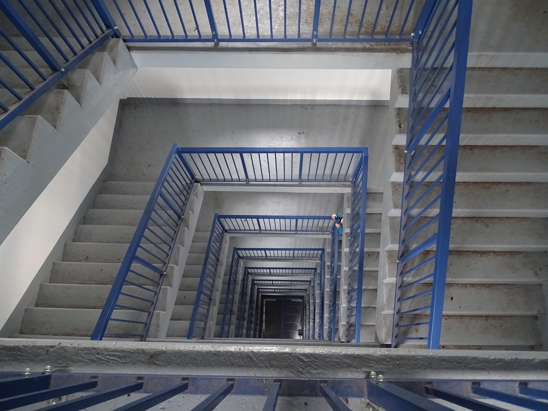 3 דברים שחשוב שתדעו לפני צביעת חדר המדרגות